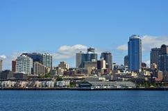 Opinión de la línea de costa de la ciudad de Seattle Imágenes de archivo libres de regalías