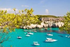 Opinión de la laguna de la isla de Menorca Imagen de archivo libre de regalías