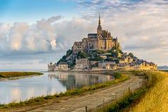 Opinión de la mañana en Mont Saint-Michel Imagen de archivo libre de regalías