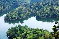 Opinión de la montaña y del lago Fotos de archivo libres de regalías