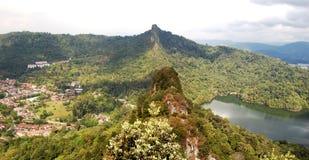 Opinión de la montaña y del lago Imagen de archivo