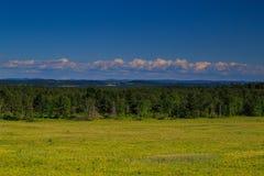 Opinión de la montaña y del valle en el condado de Saratoga NY Foto de archivo libre de regalías
