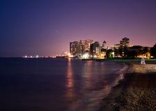 Opinión de la noche de Chicago, lado norte lejano imagen de archivo