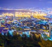 Opinión de la noche de la bahía de Haifa y del puerto Fotografía de archivo libre de regalías