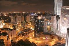 Opinión de la noche de la ciudad imagen de archivo libre de regalías