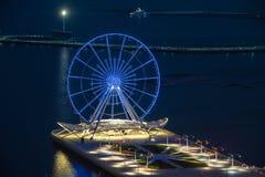 Opinión de la noche de la ciudad de Baku Imagen de archivo