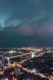 Opinión de la noche de la ciudad de Kunmingl Fotos de archivo