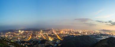 Opinión de la noche de la ciudad de Kunmingl Foto de archivo