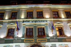 Opinión de la noche de la ciudad histórica Sighisoara el 7 de julio de 2015 Ciudad en la cual estaba Vlad Tepes nacido, Drácula Imagen de archivo libre de regalías