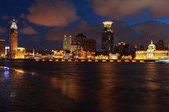 Opinión de la noche de la Federación de Shangai Imagenes de archivo