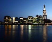 Opinión de la noche de Londres Fotos de archivo libres de regalías