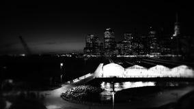 Opinión de la noche de Manhattan de la 'promenade' de Brooklyn Heights Imagen de archivo
