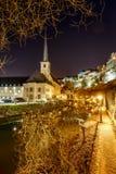 Opinión de la noche de Neumunster en Luxemburgo Fotografía de archivo libre de regalías