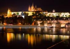 Opinión de la noche de Praga Foto de archivo libre de regalías