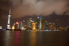 Opinión de la noche de Shangai Foto de archivo