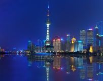 Opinión de la noche de Shangai Fotos de archivo libres de regalías