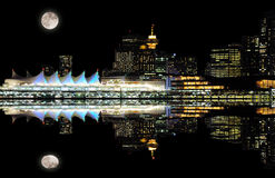Opinión de la noche de Vancouver céntrica Fotografía de archivo libre de regalías