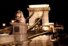 Opinión de la noche del â Budapest del puente de cadena Imagen de archivo