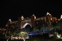 Opinión de la noche del centro turístico Dubai de la Atlántida Imagenes de archivo