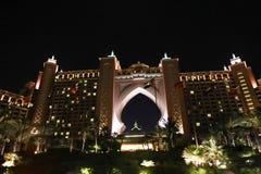 Opinión de la noche del centro turístico Dubai de la Atlántida Fotos de archivo