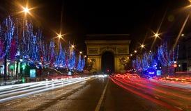 Opinión de la noche del Champs-Elysees imagen de archivo