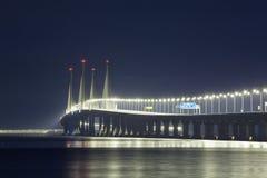 Opinión de la noche del 2do puente de Penang, George Town Penang Foto de archivo libre de regalías