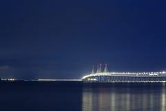Opinión de la noche del 2do puente de Penang, George Town Penang Imagen de archivo libre de regalías