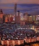 Opinión de la noche del paisaje de la ciudad en Shenzhen China Fotos de archivo libres de regalías