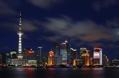 Opinión de la noche del pudong de Shangai Imagen de archivo
