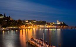 Opinión de la noche del pueblo y del mar Mediterráneo de Lerici en Liguria Fotografía de archivo