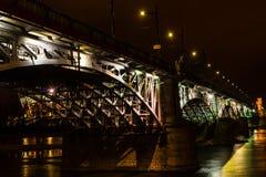 Opinión de la noche del puente de Poniatowski Fotografía de archivo libre de regalías