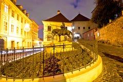 Opinión de la noche del santuario de la puerta de la piedra de Zagreb imagen de archivo libre de regalías