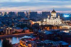 Opinión de la noche el Cristo la catedral del salvador en Moscú imagen de archivo libre de regalías
