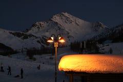 Opinión de la noche el Sestriere Turín - Piamonte - Italia Fotos de archivo libres de regalías