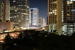 Opinión de la noche en la ciudad Imagen de archivo libre de regalías
