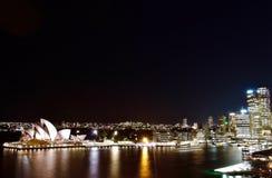 Opinión de la noche sobre Sydney Opera House fotos de archivo libres de regalías