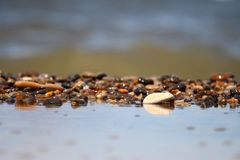 Opinión de la onda de la piedra del océano del mar Foto de archivo