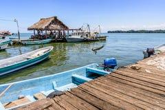 Opinión de la orilla del agua, Livingston, Guatemala Fotografía de archivo libre de regalías