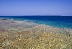 Opinión de la orilla del lago Foto de archivo libre de regalías