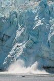 Opinión de la parida del glaciar enorme Imagenes de archivo