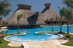 Opinión de la piscina de México del puente Imagen de archivo libre de regalías