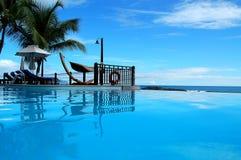 Opinión de la piscina de Seychelles Fotos de archivo
