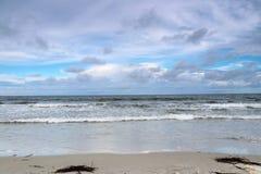 Opinión de la playa del océano Foto de archivo libre de regalías
