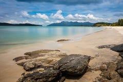 Opinión de la playa en la isla de Langkawi Fotografía de archivo