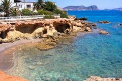 Opinión de la playa de Ibiza de la ensenada de Santa Eulalia  fotografía de archivo