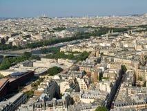 Opinión de la primavera de la torre Eiffel Fotos de archivo libres de regalías