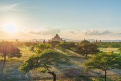Opinión de la puesta del sol del área de templo de Bagan, Myanmar imagen de archivo
