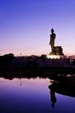 Opinión de la puesta del sol Buda que recorre Imagen de archivo libre de regalías