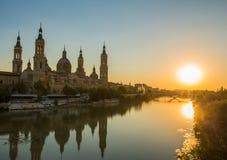 """Opinión de la puesta del sol de la tarde de la catedral del Basilica†"""" Fotos de archivo libres de regalías"""
