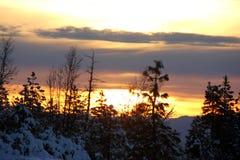 Opinión de la puesta del sol del camino de Shasta el día de la Navidad Imagen de archivo
